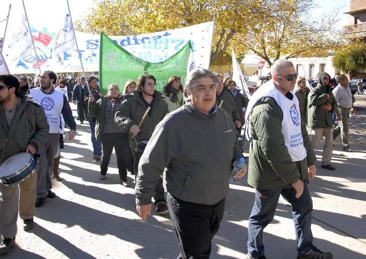 PARO NACIONAL: Luz y Fuerza marchó en Balcarce junto a la CTA y gremios de la CGT
