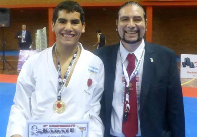 Adán Suárez Campeón Sudamericano de Karate
