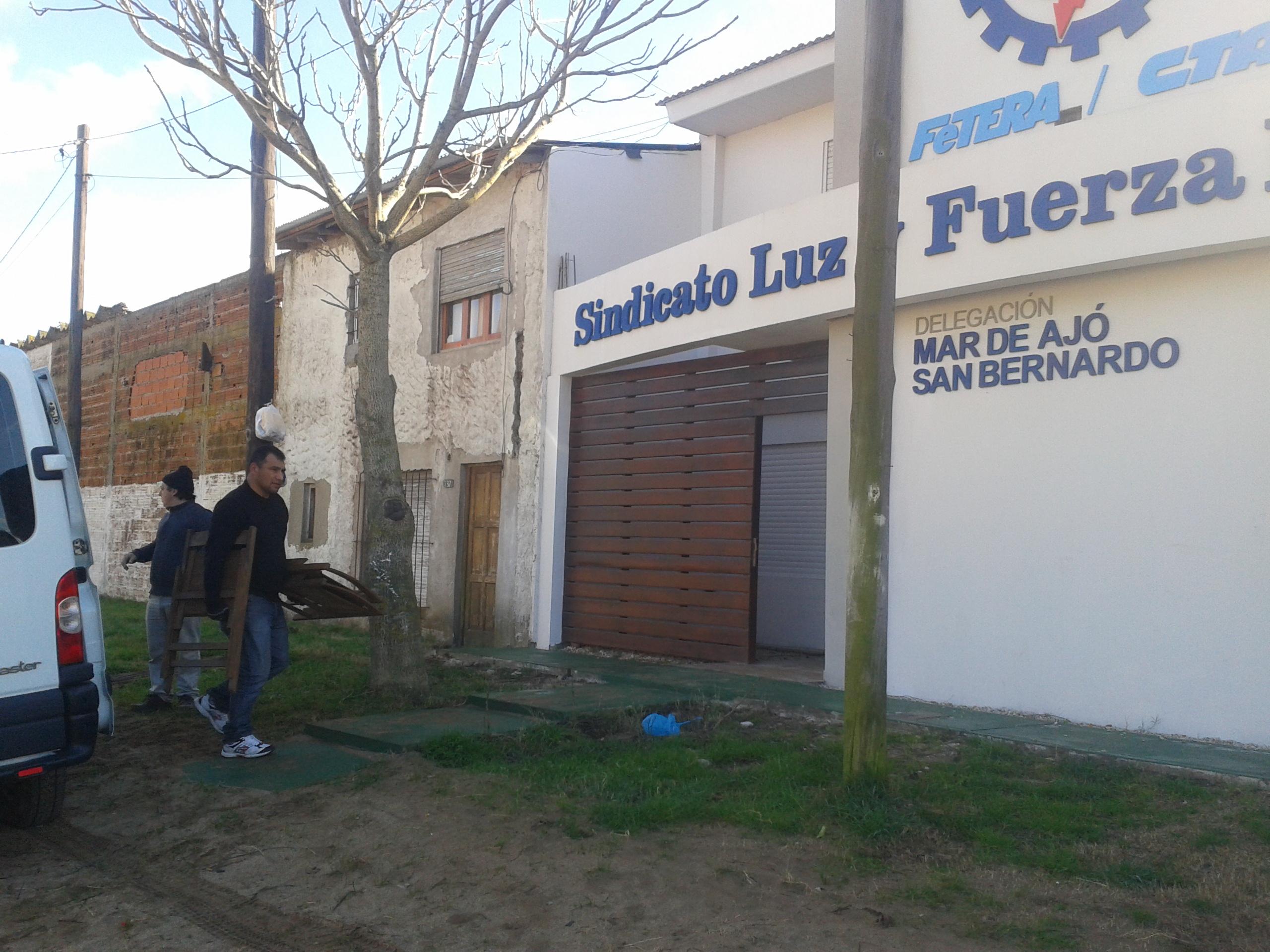 Más mobiliario para la nueva sede de Mar de Ajó- San Bernardo